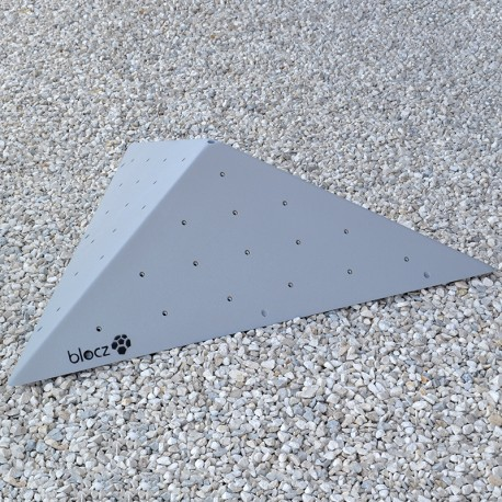 Bolt-on Triangle Flat 1200