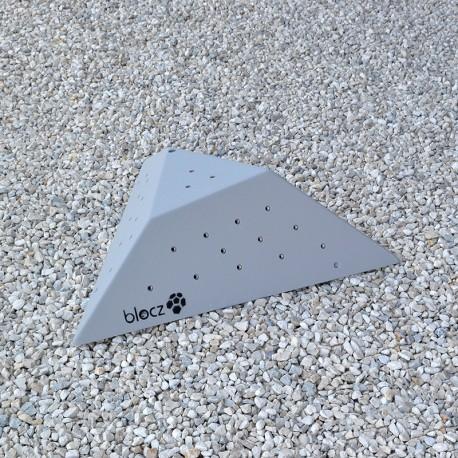 Bolt-on Cut off Triangle 800 L